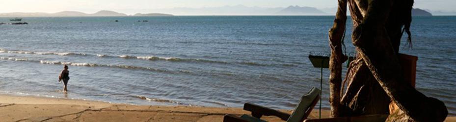 Na praia de Manguinhos